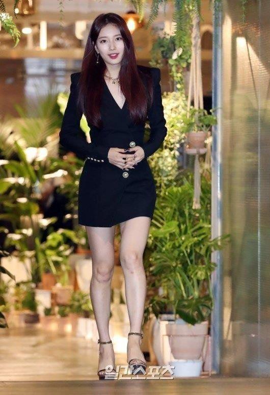 Fan tranh cãi khi Yoona đụng hàng váy 2.100 USD với 2 mỹ nhân Hàn - Hình 4
