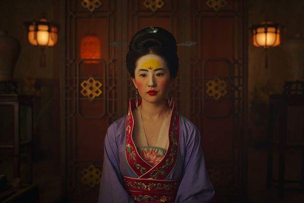 Disney tung clip mới của Mulan tại D23 Expo mặc kệ làn sóng tẩy chay Lưu Diệc Phi - Hình 1