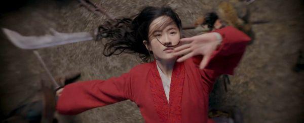 Disney tung clip mới của Mulan tại D23 Expo mặc kệ làn sóng tẩy chay Lưu Diệc Phi - Hình 7