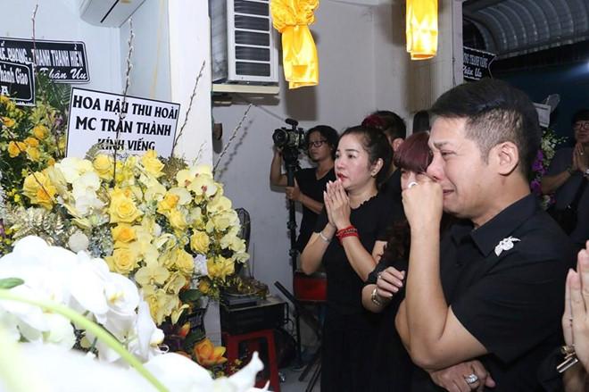 Hoài Linh và nhiều sao Việt về Cần Thơ viếng nghệ nhân Thành Giao - Hình 7