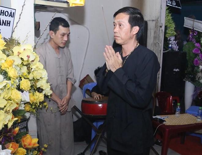 Hoài Linh và nhiều sao Việt về Cần Thơ viếng nghệ nhân Thành Giao - Hình 1