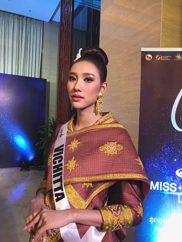 Lộ diện Hoa hậu Hoàn vũ Lào 2019: Xinh rụng rời lại cao 1m76, thần thái chẳng thua kém Hoàng Thùy - Hình 10
