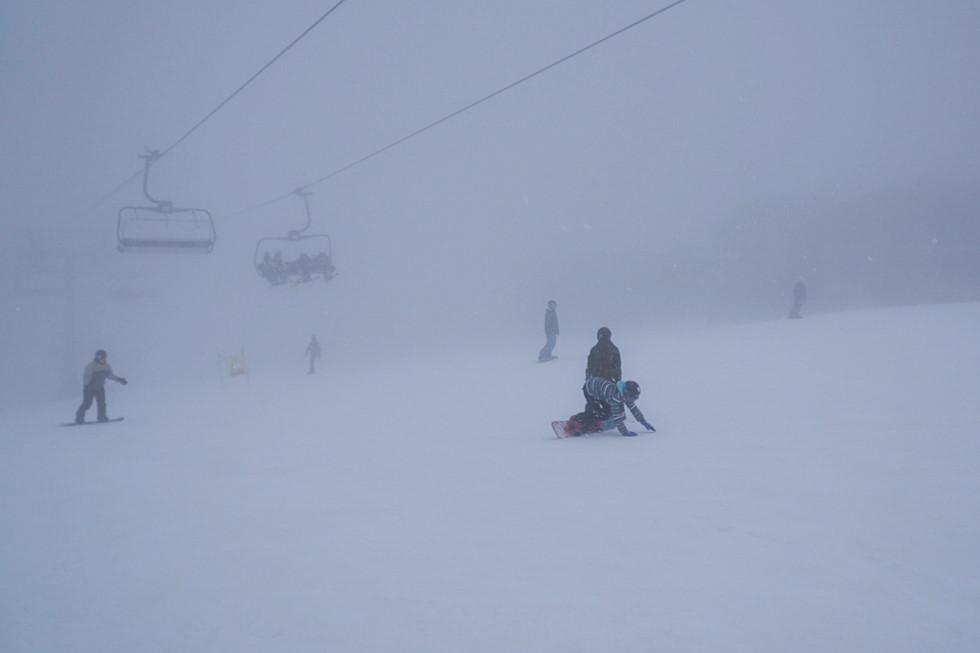 Thu này bạn thử dẫn con đến Úc trượt tuyết: Cực kỳ thú vị - Hình 12