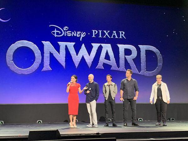 Tom Holland xuất hiện tại D23 Expo giữa tâm bão Sony / Disney nghỉ chơi và hô to I Love You 3000 - Hình 2