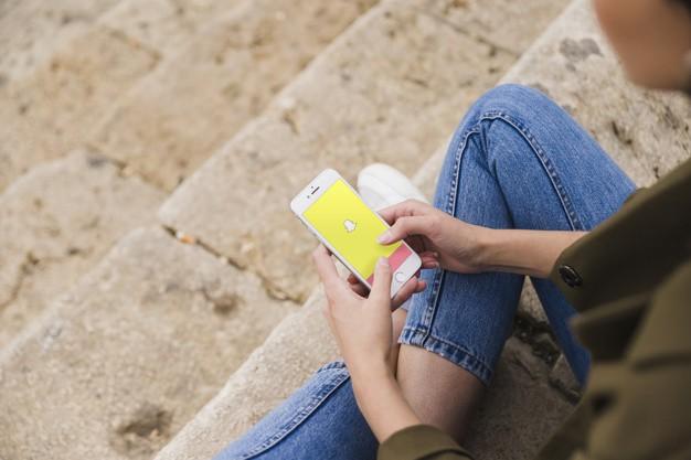 Gửi thông báo tự sát đến cho bạn bè mà không ai hồi đáp, cô gái trẻ liền kết liễu đời mình thật