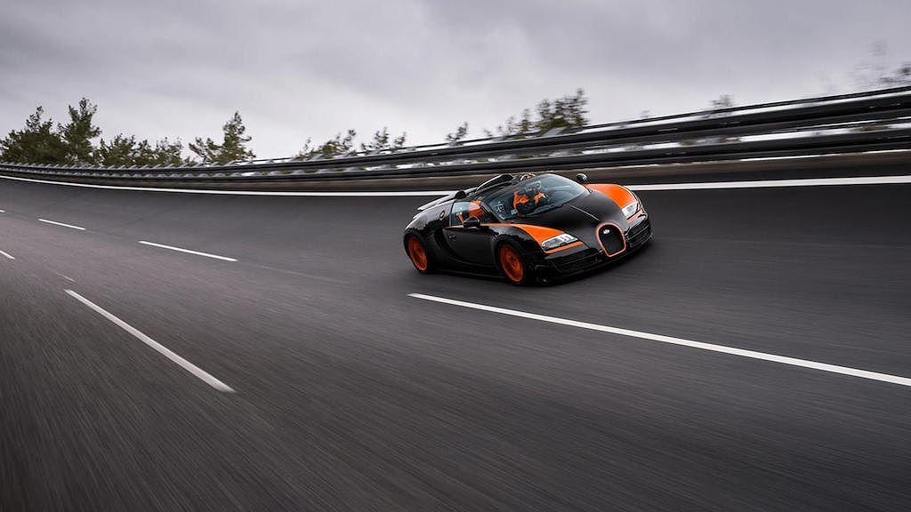 Đây là 11 chiếc xe mui trần nhanh nhất mà các đại gia có thể mua được hiện tại - Hình 10