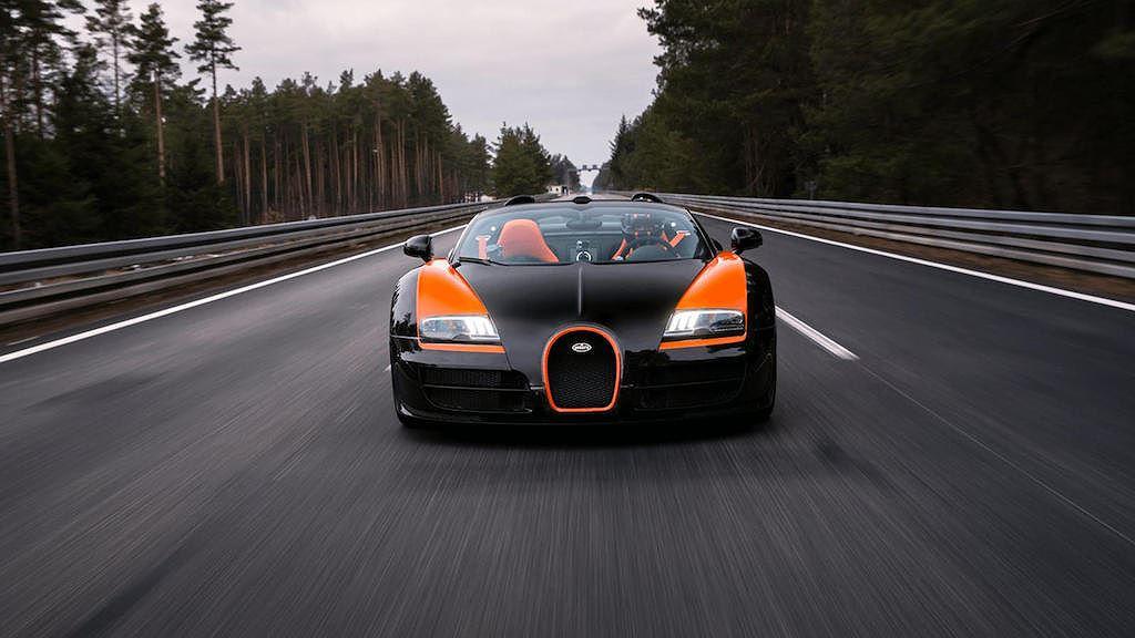 Đây là 11 chiếc xe mui trần nhanh nhất mà các đại gia có thể mua được hiện tại - Hình 1