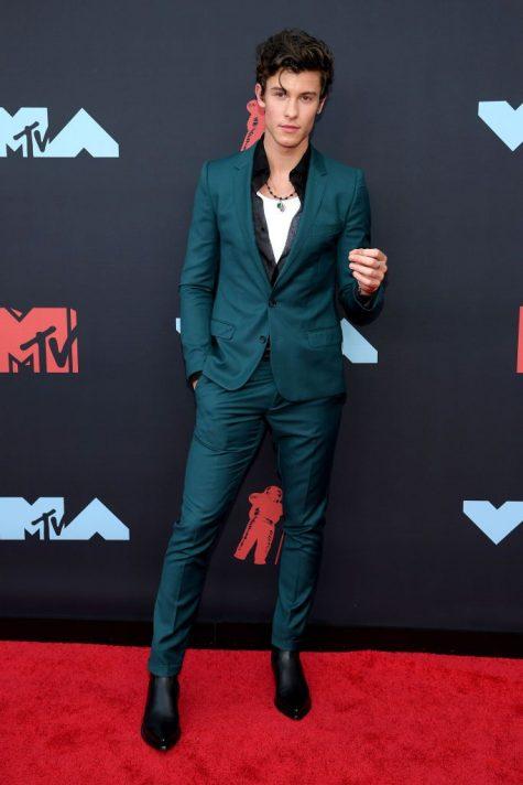 Ngắm nhìn thời trang thảm đỏ sành điệu tại MTV VMAs 2019 - Hình 20