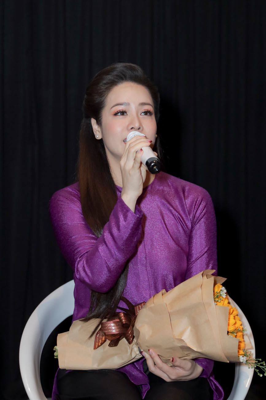 Bị trộm lấy hết tài sản giá trị, gia tài Nhật Kim Anh chỉ còn bộ đồ bà ba để dự sự kiện - Hình 8
