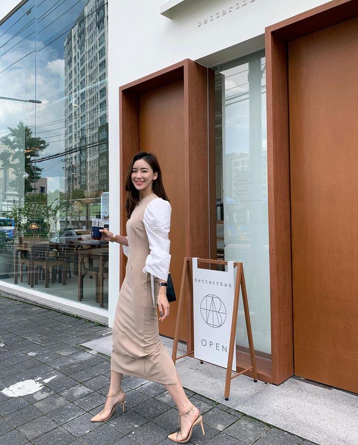 Chẳng dát toàn hàng hiệu nhưng các quý cô Châu Á nhìn vẫn cứ sang xịn nhờ cách mix cao tay - Hình 6
