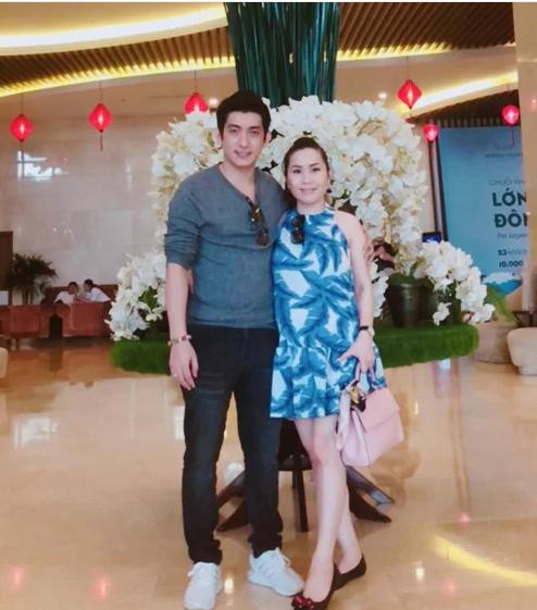 Chồng cũ Phi Thanh Vân và bà xã Việt kiều hơn tuổi lại sắp có quý tử tốc độ sản xuất chóng mặt - Hình 8
