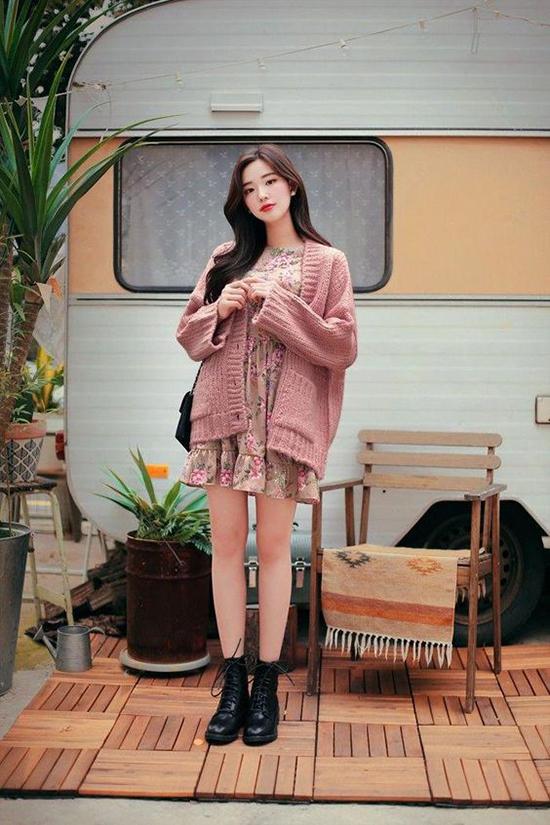 Phối áo len, áo nỉ cho ngày mưa - Hình 9