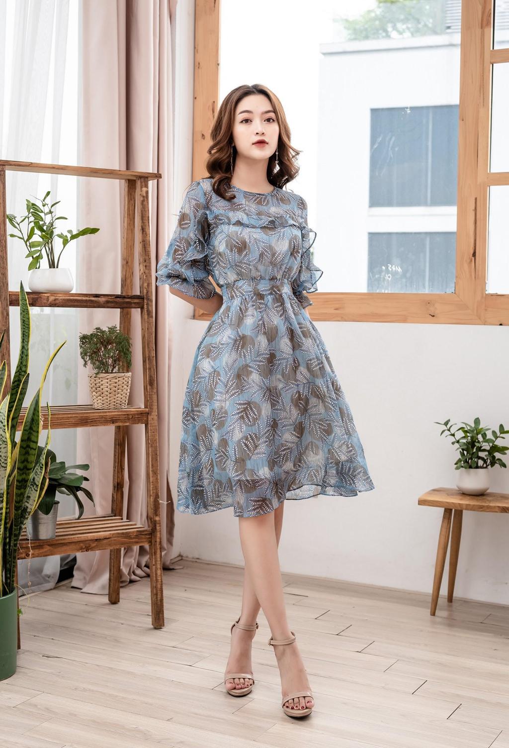Đánh thức mùa thu với những kiểu váy ngọt ngào - Hình 3