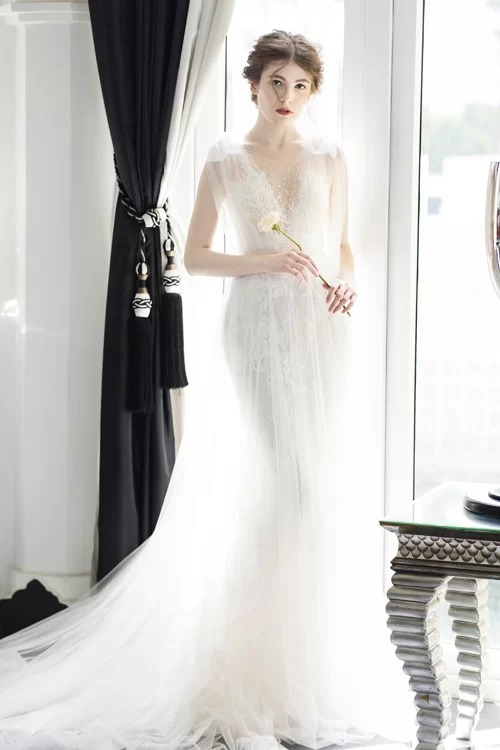 10 váy cưới được yêu thích tháng 8 - Hình 3