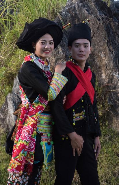 Duyên dáng trang phục dân tộc Dao Khâu - Hình 2