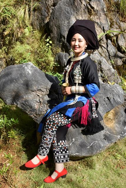 Duyên dáng trang phục dân tộc Dao Khâu - Hình 1