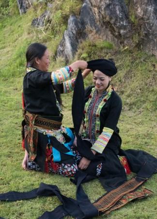 Duyên dáng trang phục dân tộc Dao Khâu - Hình 3