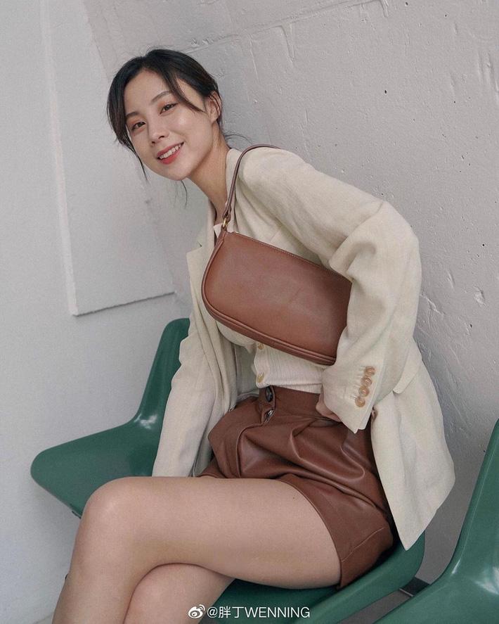 Quần short blazer: Có cả loạt cách mix đồ giúp chân dài phải biết cho style của các nàng tuổi băm - Hình 8