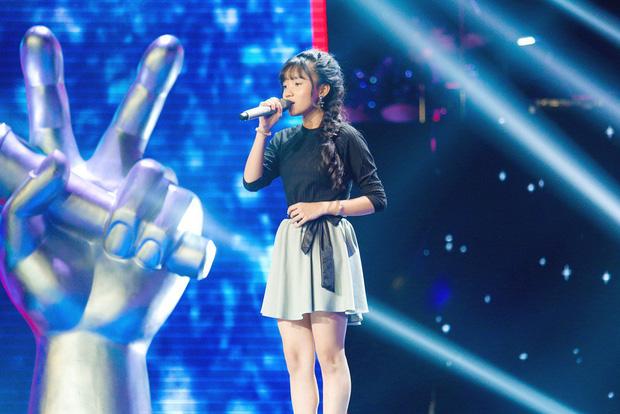Giọng hát Việt nhí: Phạm Quỳnh Anh chiến thắng Hương Giang với chiếc vương miện siêu to - Hình 6