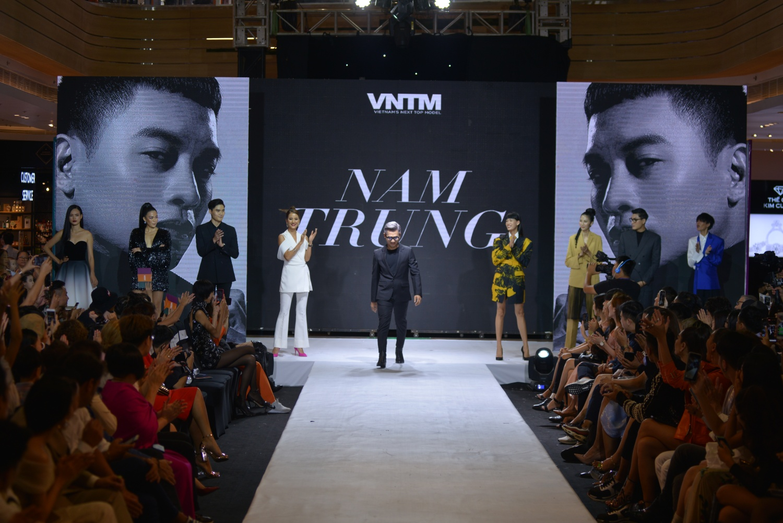 Cựu thí sinh 8 mùa Next Top trở lại làm bùng nổ đêm Final Walk Top Model Online  - Hình 1