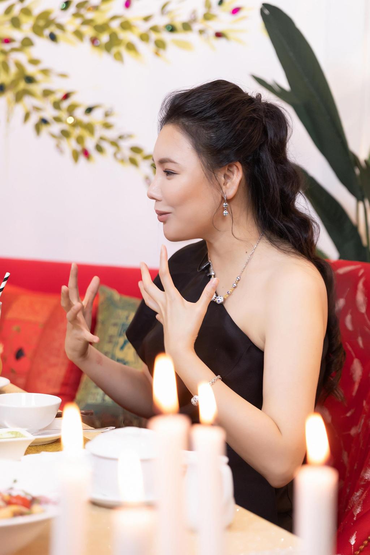 Hồ Quỳnh Hương: Tôi chảnh, rất lụy tình và tiêu tiền không cần đếm! - Hình 5