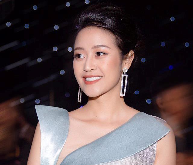 3 cựu học sinh THPT Chu Văn An nổi tiếng giới trẻ: MC, hot girl đủ cả - Hình 1