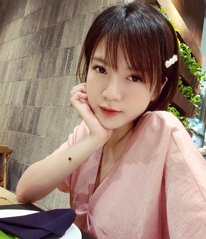 3 cựu học sinh THPT Chu Văn An nổi tiếng giới trẻ: MC, hot girl đủ cả - Hình 14