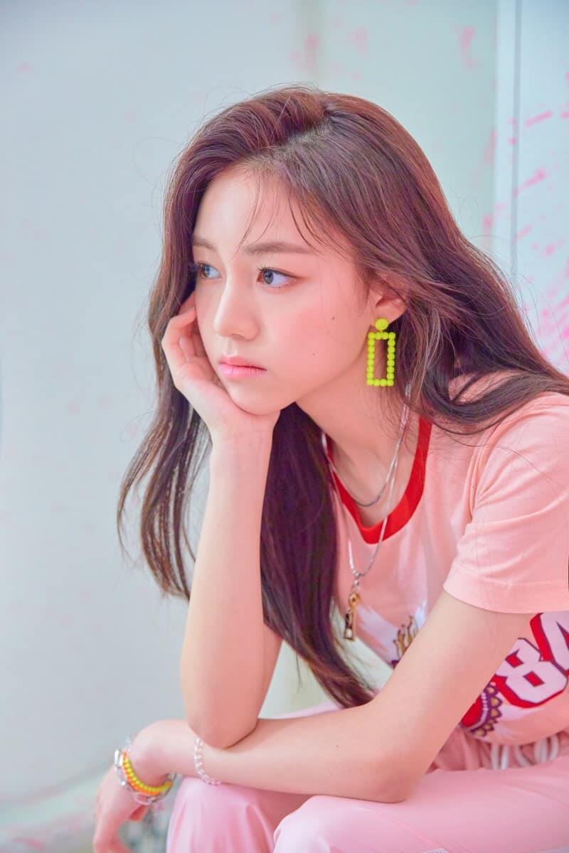 Nhan sắc nữ thần tượng nhỏ tuổi nhất Kpop gây chú ý - Hình 6