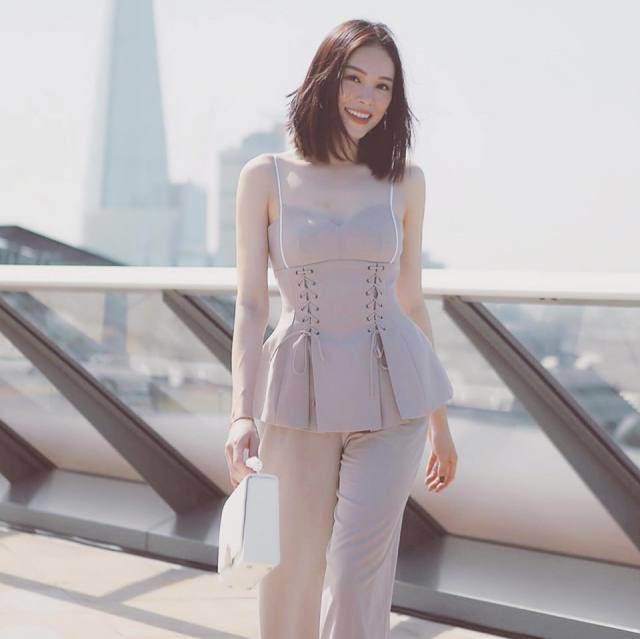 Dàn bạn gái tin đồn sắc nước hương trời của em chồng Hà Tăng: Á hậu, hot girl đủ cả! - Hình 18