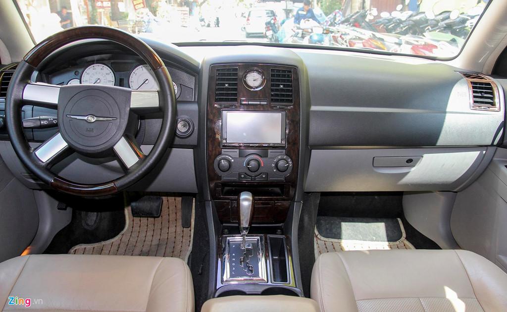 Tiểu Bentley Chrysler 300 màu rằn ri rao bán 650 triệu - Hình 7