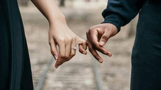 Hôn nhân hạnh phúc bắt đầu từ những điều này - Hình 2