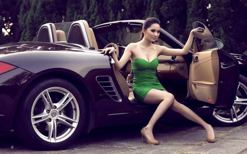 Không thể rời mắt trước hình ảnh mỹ nhân và xe hơi - Hình 2