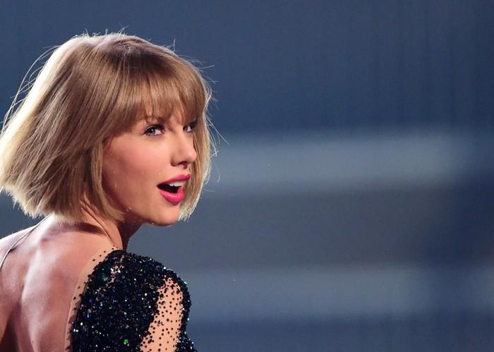 Billboard Hot 100 tuần này: Taylor Swift đến và đi nhanh như một... cơn gió, Lizzo có tuần thứ 2 liên tiếp đứng đầu BXH - Hình 3