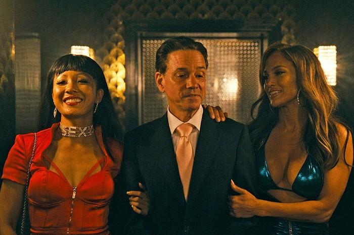 Cực hot: Jennifer Lopez, Cardi B và mĩ nữ 'Crazy Rich Asians' cùng nhau đóng vũ nữ múa cột! - Hình 3