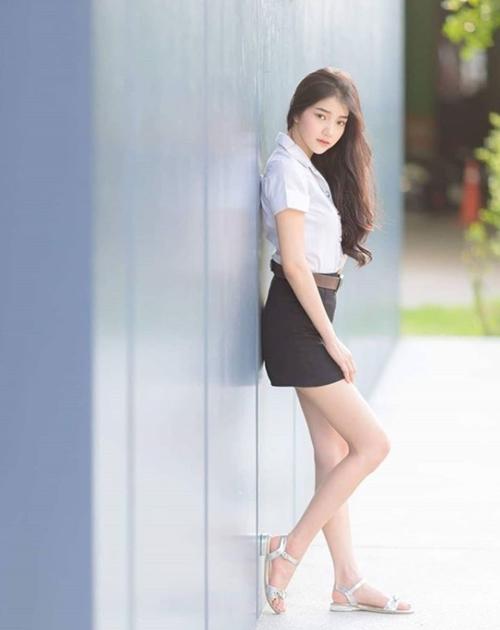 Đồng phục của nữ sinh Thái Lan: Váy ngắn siêu xinh, tôn dáng quyến rũ trưởng thành - Hình 15