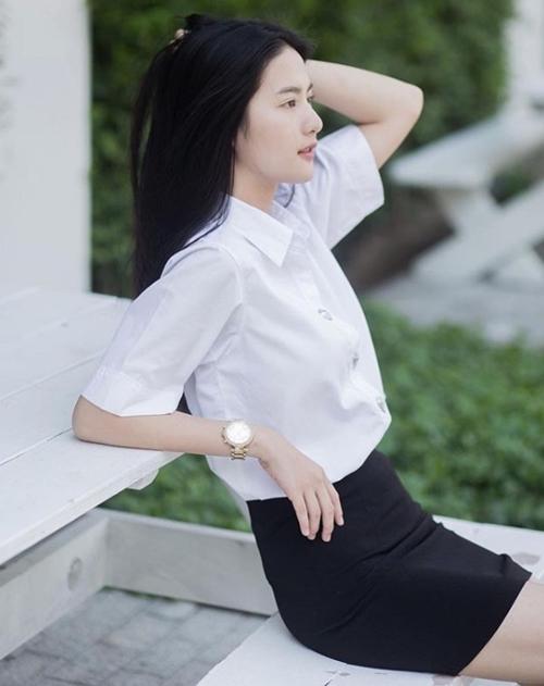 Đồng phục của nữ sinh Thái Lan: Váy ngắn siêu xinh, tôn dáng quyến rũ trưởng thành - Hình 6