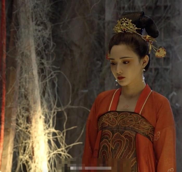 Gà cưng của Phạm Băng Băng - Bành Tiểu Nhiễm xinh đẹp trong tạo hình Dương Quý Phi - Hình 6