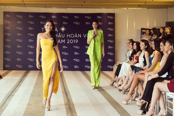 Hoàng Thùy hé lộ điều không ngờ về em gái xinh đẹp thi Hoa hậu Hoàn vũ Việt Nam 2019 - Hình 3
