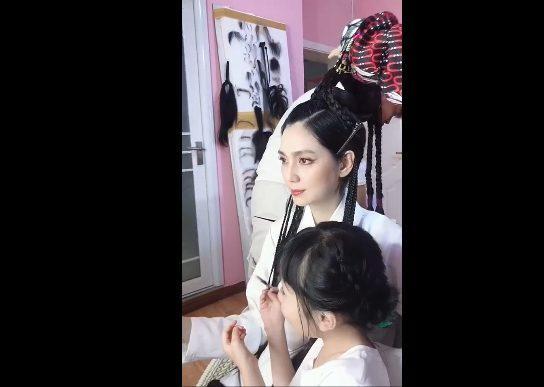 Hồng Hân tái xuất đóng phim, đăng hình ảnh trong trang phục cổ trang - Hình 5