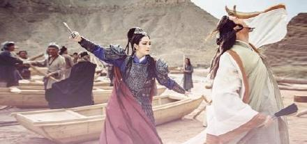Hồng Hân tái xuất đóng phim, đăng hình ảnh trong trang phục cổ trang - Hình 9