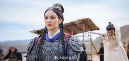 Hồng Hân tái xuất đóng phim, đăng hình ảnh trong trang phục cổ trang - Hình 7