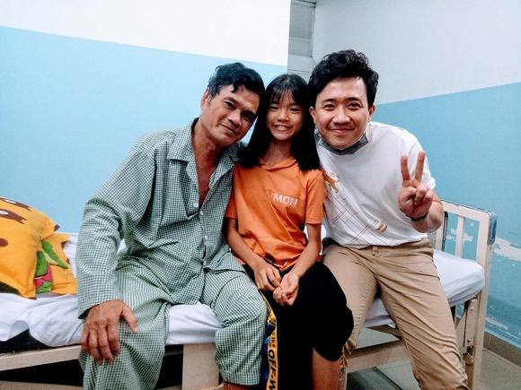 MC Trấn Thành vào bệnh viện thăm và ủng hộ nghệ sĩ Mai Trần 20 triệu đồng - Hình 1