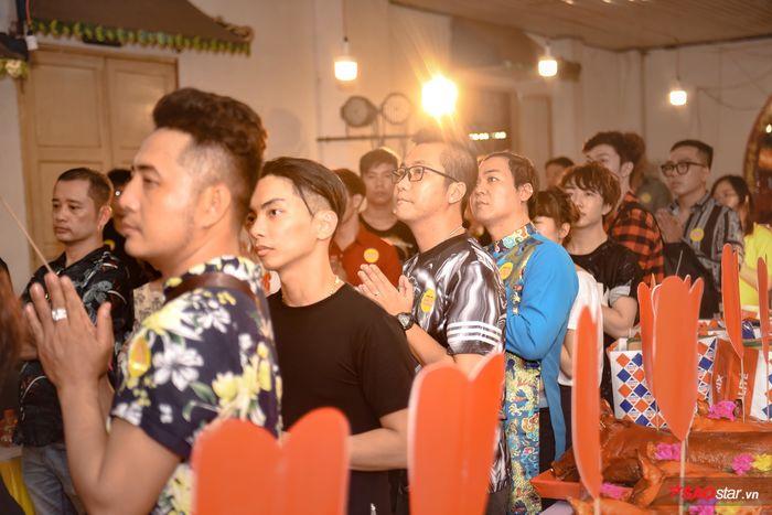 NSƯT Kim Tử Long, Ngọc Huyền, Thanh Bạch cùng nhiều nghệ sĩ thắp hương cúng Tổ ngành sân khấu - Hình 5