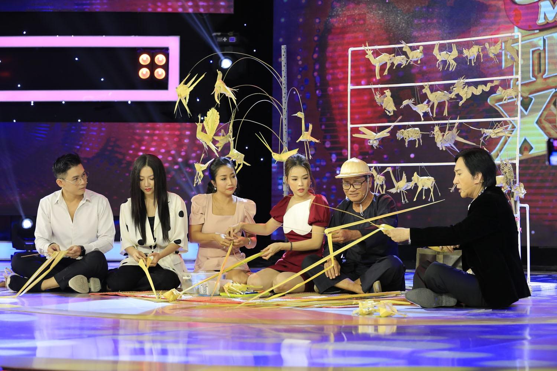 Ốc Thanh Vân, Sam phát cuồng trước những món đồ chơi làm từ lá dừa trong Mãi Mãi Thanh Xuân - Hình 4