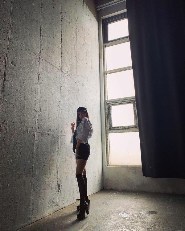 Tín hiệu cho thấy Jeon Somi chắc chắn sẽ trở thành một ngôi sao tầm cỡ trong tương lai - Hình 2