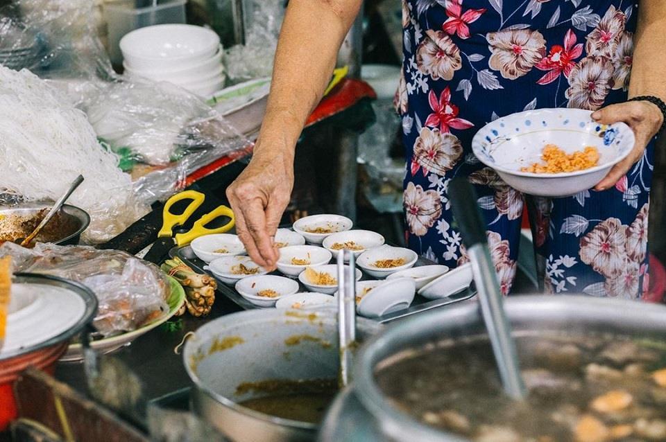 Thiên đường ẩm thực bên trong chợ Đông Ba xứ Huế - Hình 3