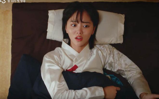 Tiểu Sử Chàng Nok Du tung teaser minh oan cho Kim So Hyun: Hoá ra tạo hình trên hiện đại - dưới truyền thống là có lí do? - Hình 5