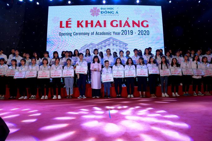 10 tỉ đồng học bổng khuyến tài và khuyến học cho tân sinh viên ĐH Đông Á - Hình 2