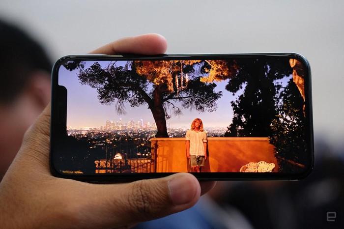 Ảnh chi tiết iPhone 11 Pro, Pro Max giá lên đến 1.449 USD - Hình 6