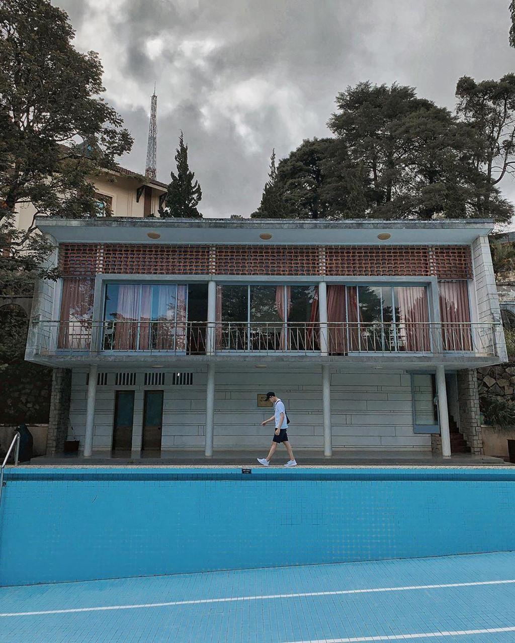 Bể bơi không nước - góc check-in mới hút giới trẻ đến Đà Lạt - Hình 5